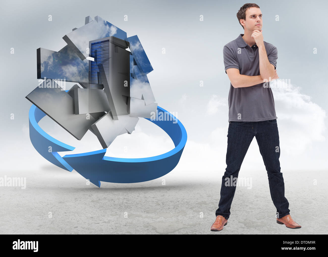 Imagen compuesta de reflexivo hombre de pie y sus piernas separadas Imagen De Stock