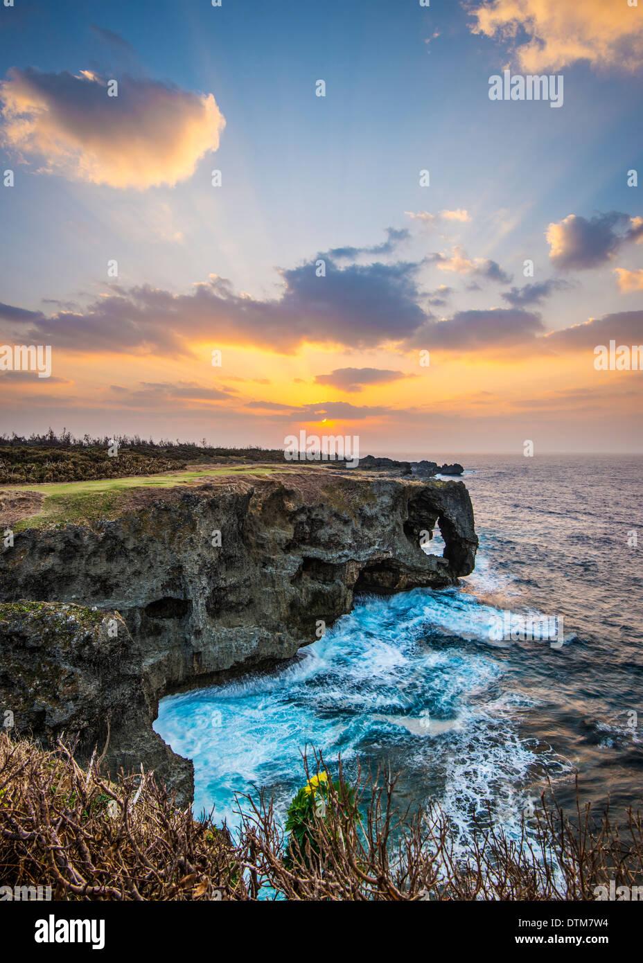 Manzamo Cape en Okinawa, Japón. Imagen De Stock