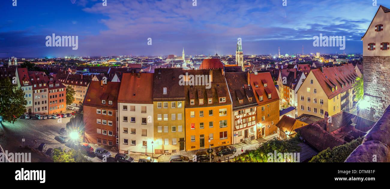 Nuremberg, Alemania antiguo panorama de la ciudad. Imagen De Stock