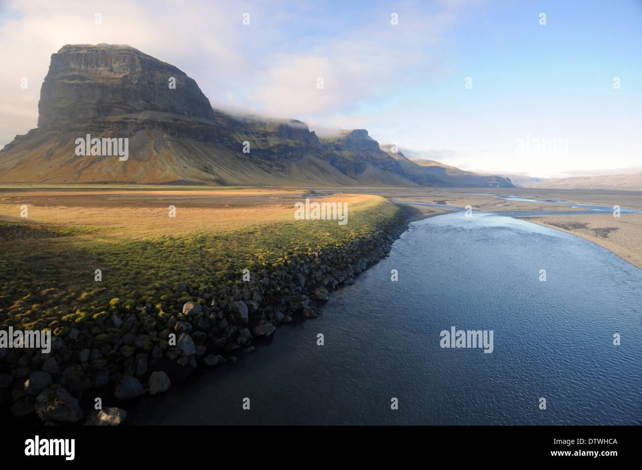 Impresionante paisaje a lo largo de la carretera número 1, en el sur de Islandia Imagen De Stock