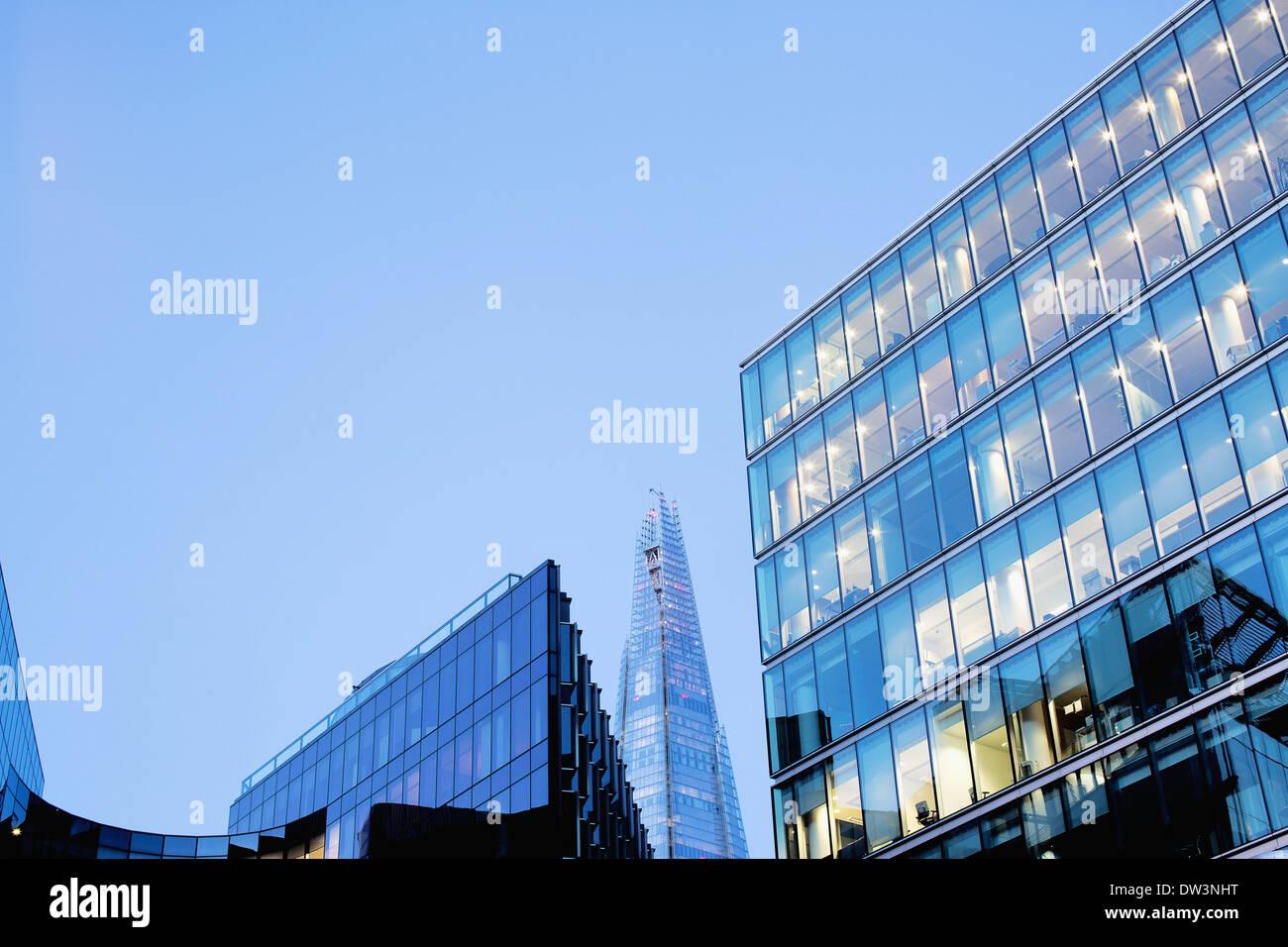 Temprano en la mañana en la ciudad de Londres. Foto de stock