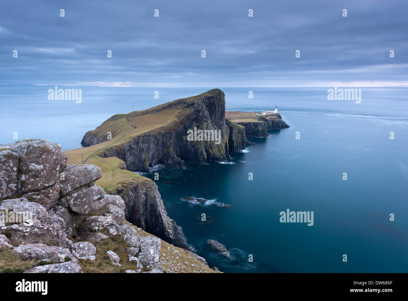 Neist Point, el punto más al oeste en la Isla de Skye, Hébridas interiores, en Escocia. Invierno (diciembre de 2013). Foto de stock