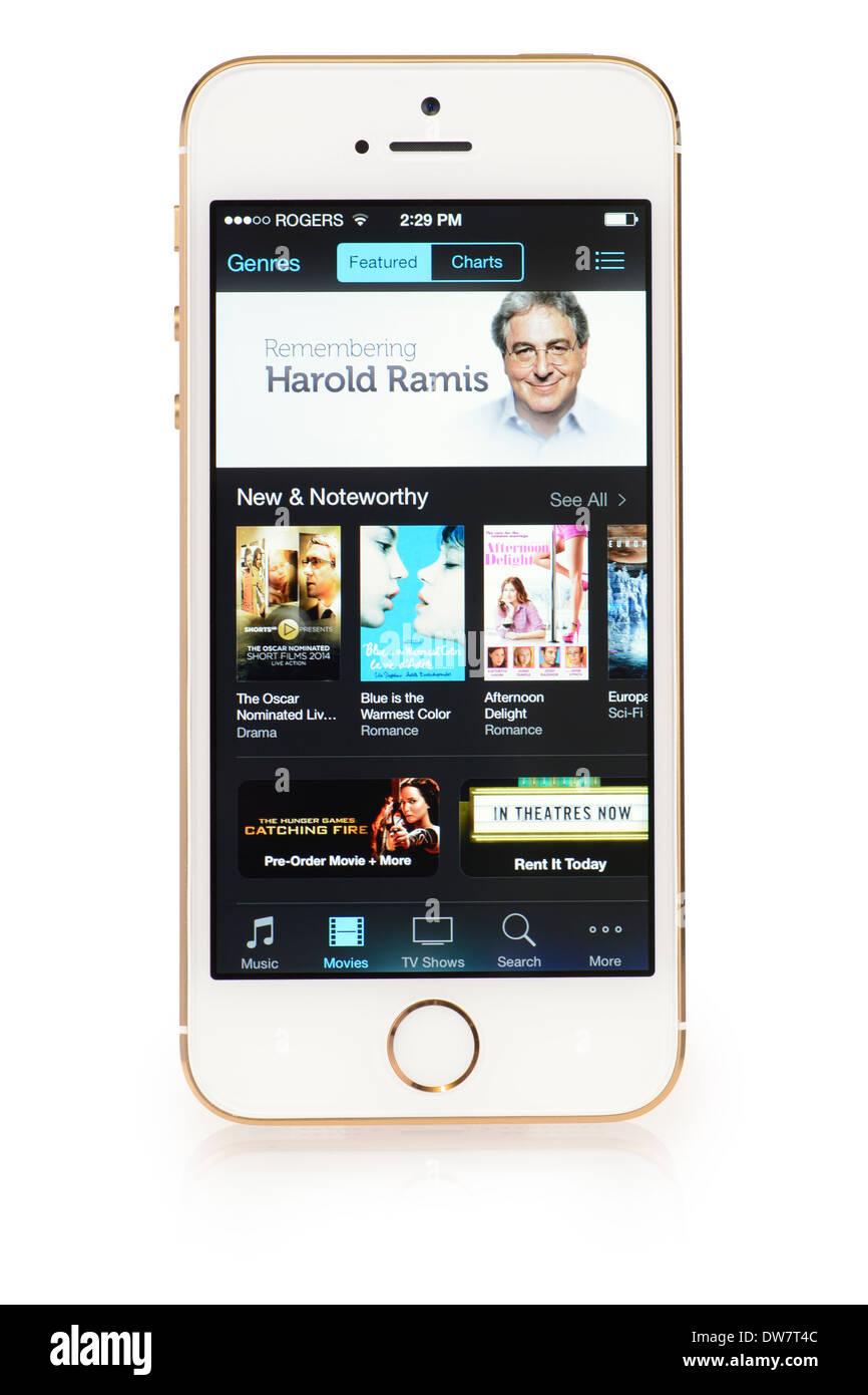 Menú películas iTunes en el iPhone 5S, iPhone 5 S Movie Store Imagen De Stock