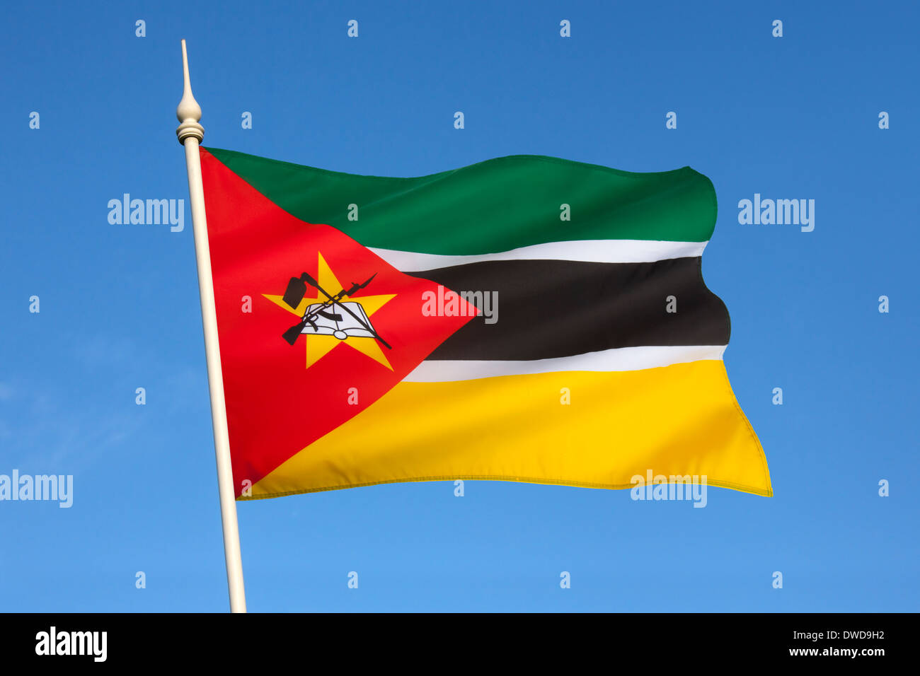 La bandera de Mozambique Imagen De Stock