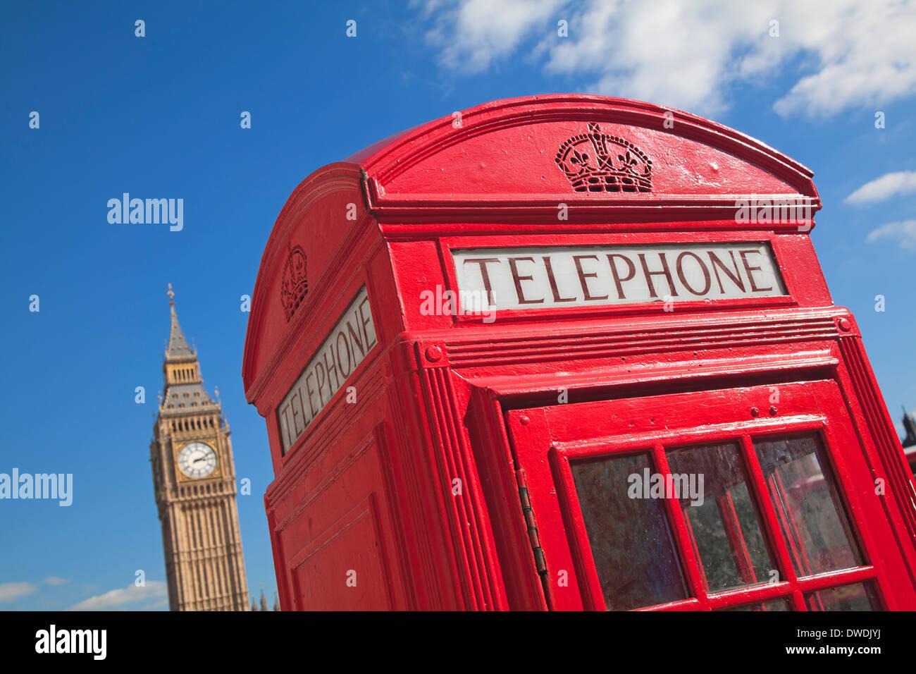 Cuadro teléfono rojo en Londres, Gran Bretaña. Imagen De Stock