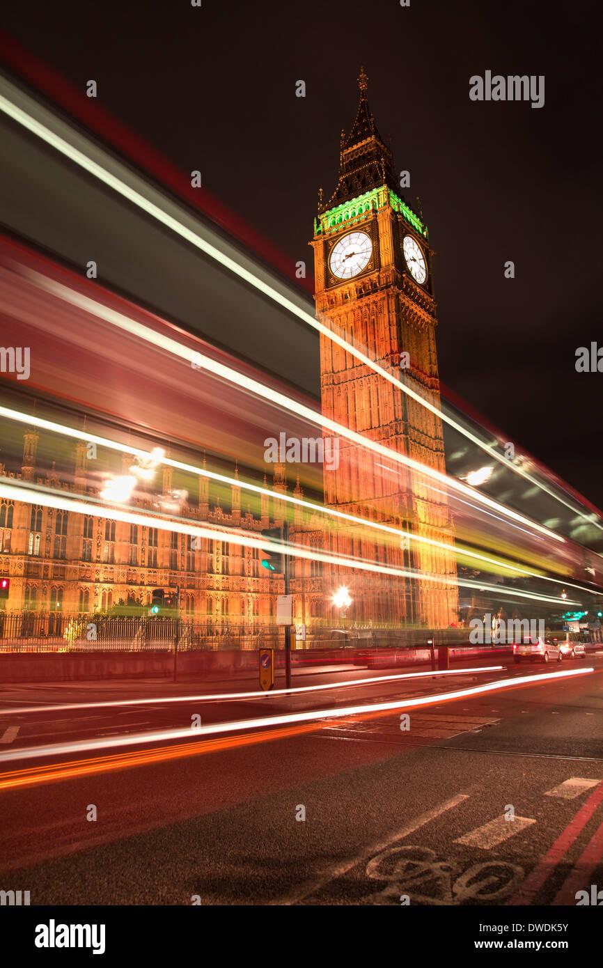 El Big Ben por la noche, Londres, Inglaterra Imagen De Stock