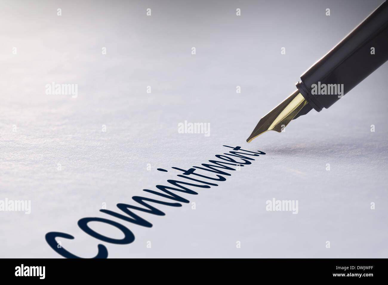 Estilográfica escrito compromiso Imagen De Stock