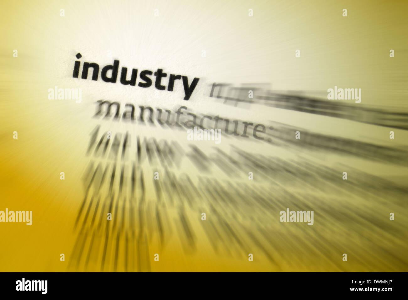 - La actividad económica de la industria relacionados con el procesamiento de materias primas y la fabricación de las mercancías en las fábricas. Imagen De Stock
