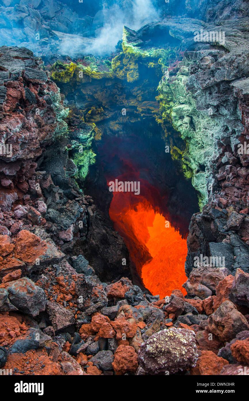 Activo en una corriente de magma debajo del volcán Tolbachik, Kamchatka, Rusia, Eurasia Imagen De Stock