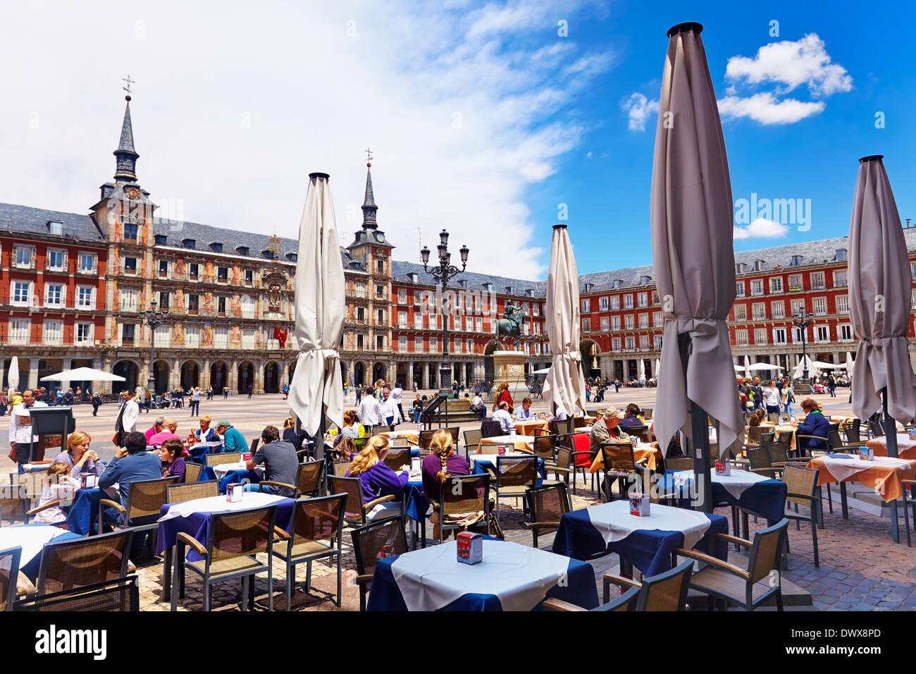 Terrazas En La Plaza Mayor Madrid España Foto Imagen De