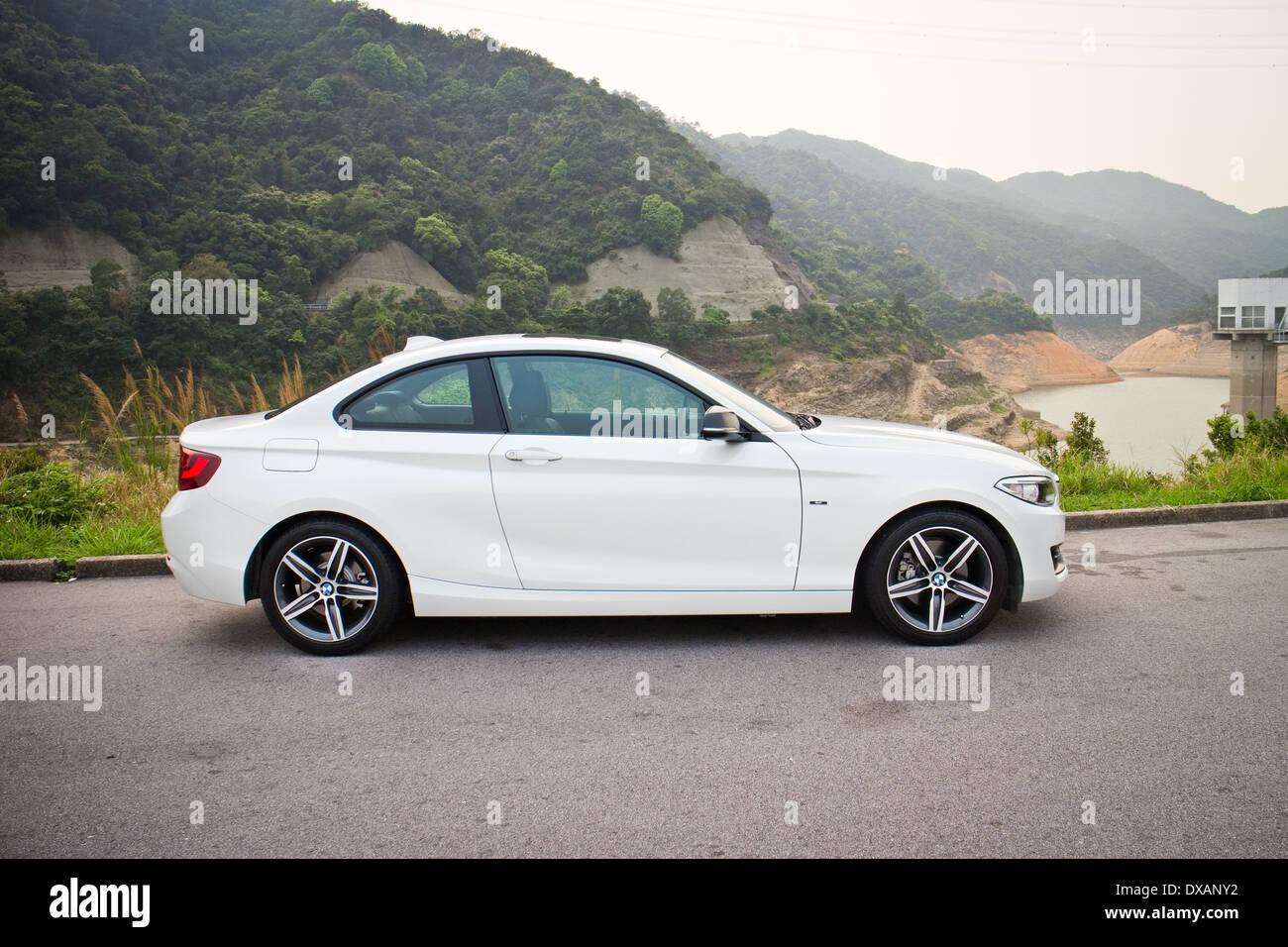BMW 220i Sedan 2014, todas las nuevas series, pequeño sedán. Imagen De Stock