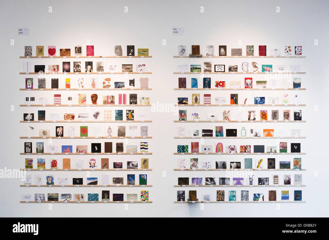RCA Secret - Royal College of Art's eventos de recaudación de tamaño de tarjeta postal ilustraciones para el estudiante Foto de stock