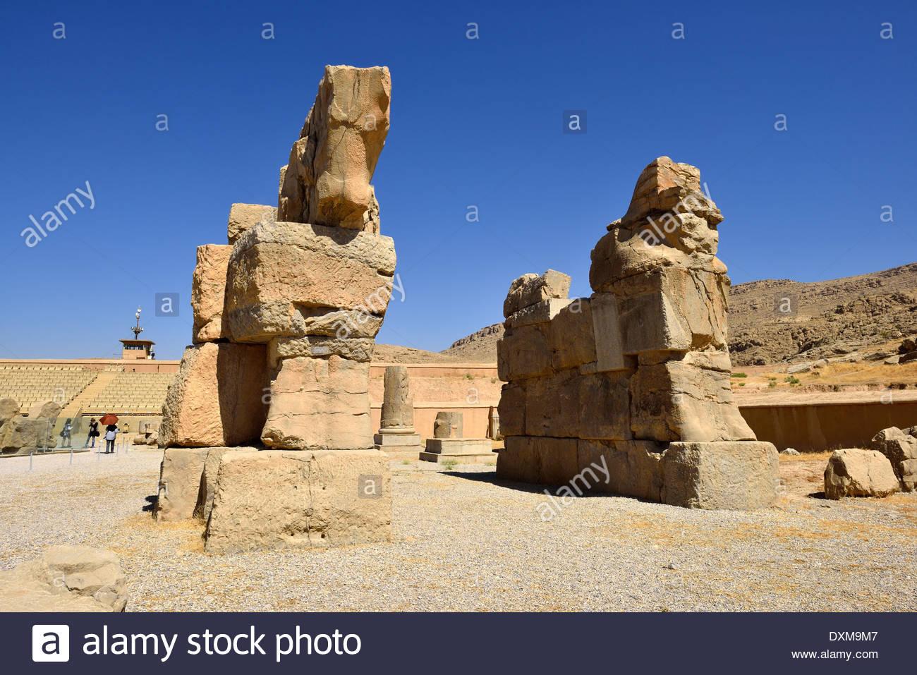 Irán aqueménida, sitio arqueológico de Persépolis, inconclusa gate Foto de stock