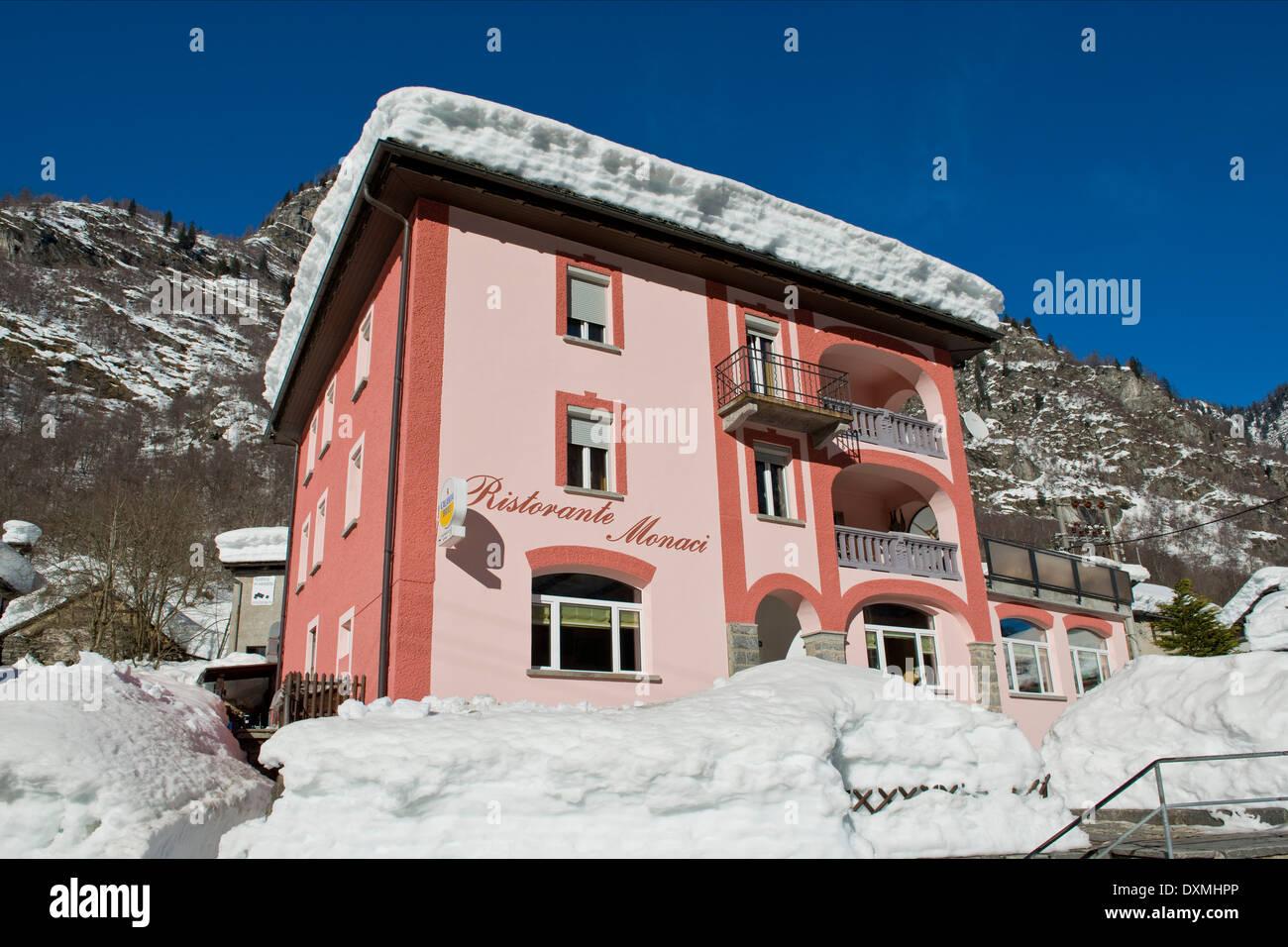 Suiza, Valle Lavizzara Monaci Peccia, restaurante Foto de stock