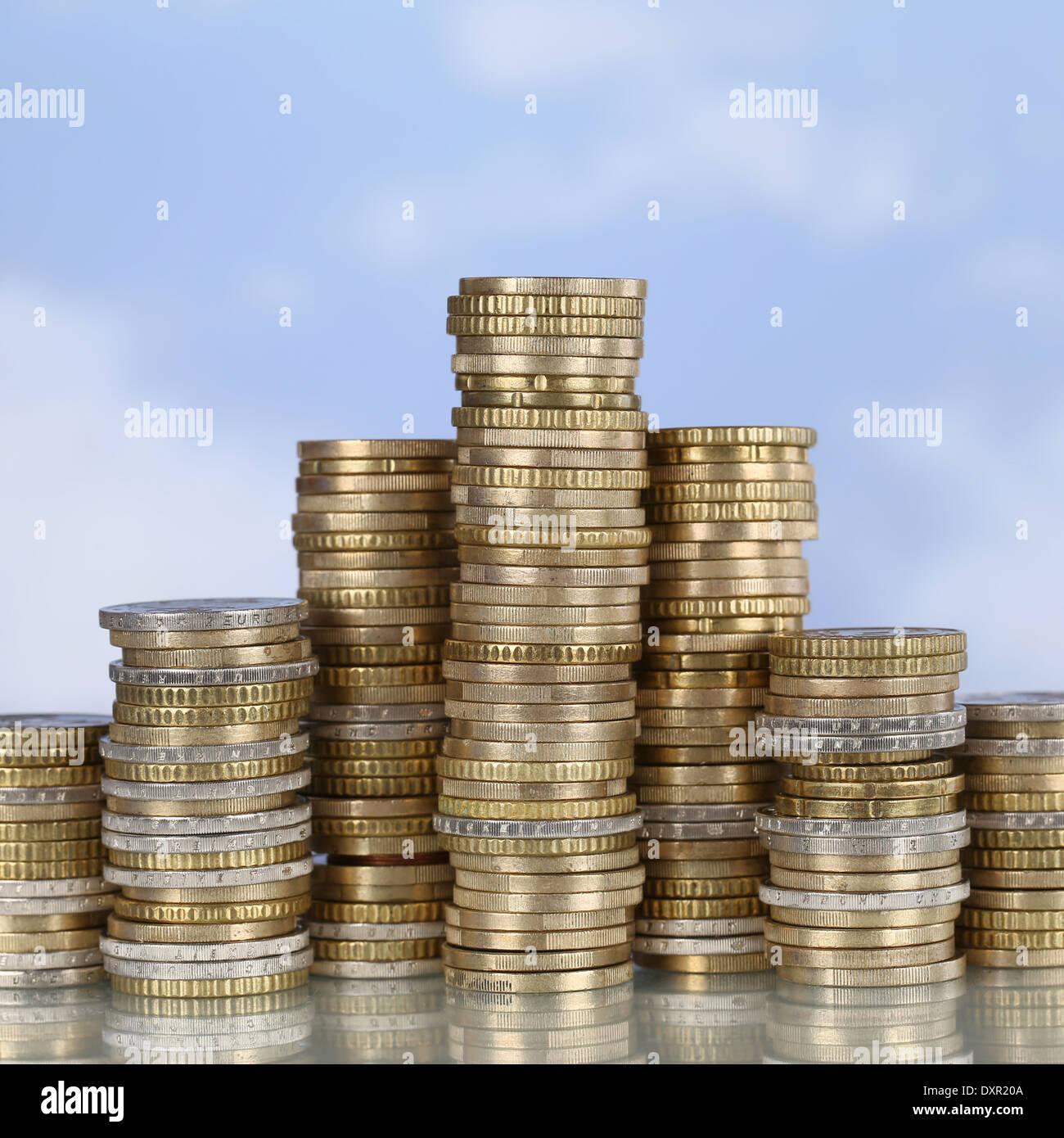 Una moneda podio del ganador con el tema éxito, líder y ganar Imagen De Stock