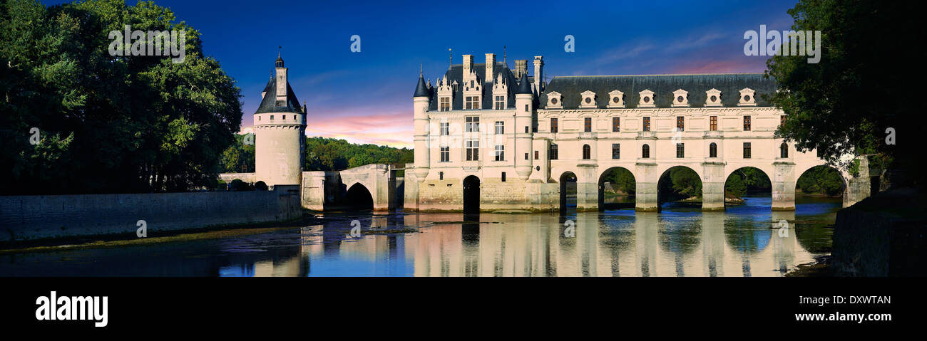 El Château de Chenonceau spanning el río Char. El Valle del Loira. Chenonceaux, Indre-et-Loire département de Francia. Imagen De Stock