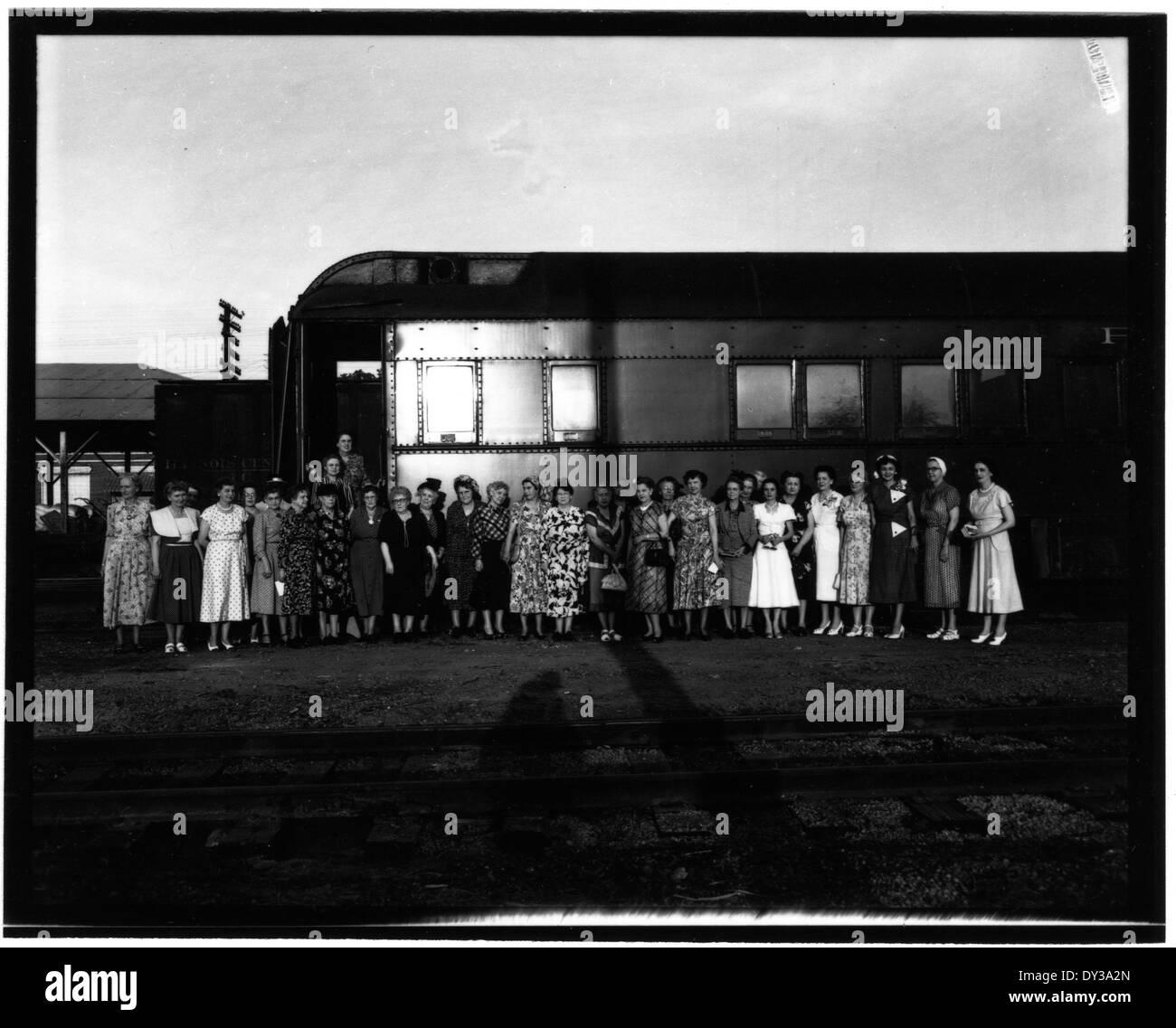 Federación Nacional de Clubes de Mujeres, Tour de Brookhaven por 22 señoras de Luisiana y puntos cercanos, 25 de mayo de 1950. Foto de stock