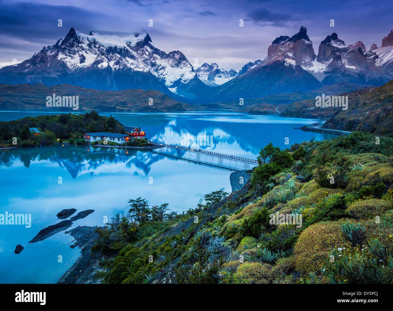 Lago Pehoé en el Parque Nacional Torres del Paine, parte de la Patagonia Chilena Imagen De Stock