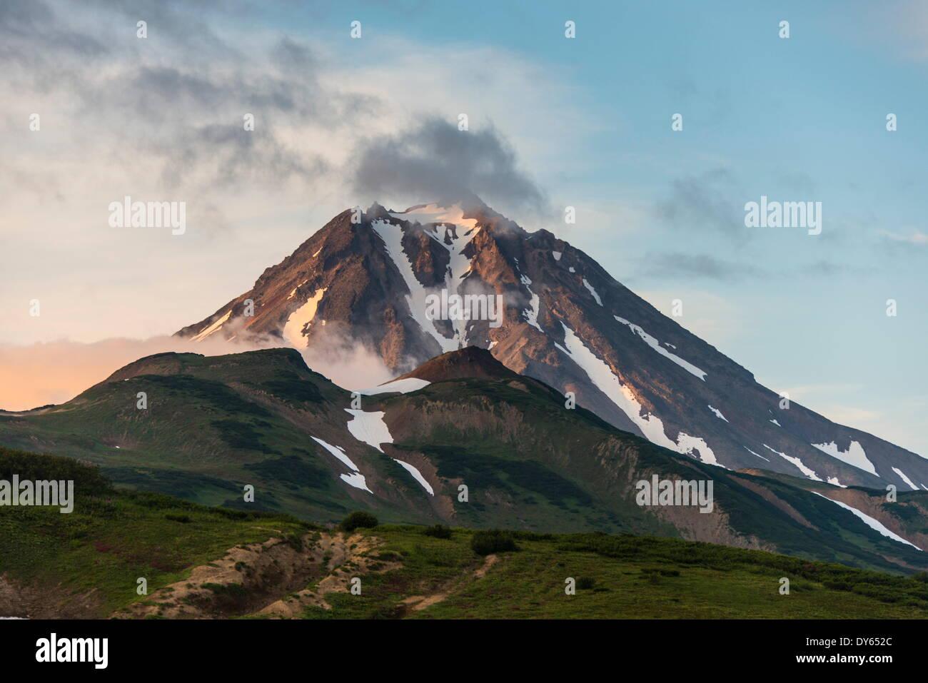 Volcán Vilyuchinsk, Kamchatka, Rusia, Eurasia Imagen De Stock