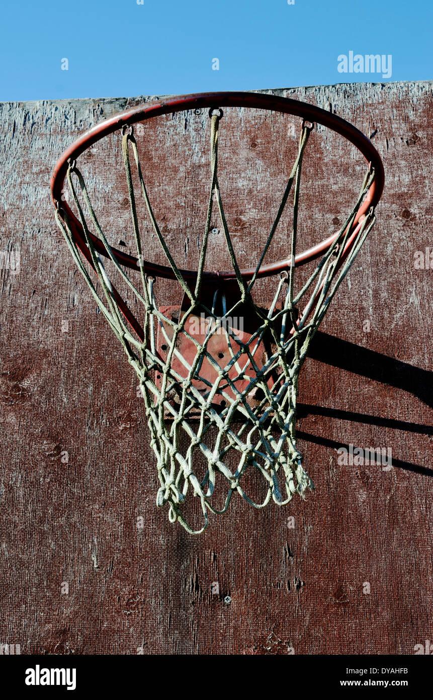 Primer plano de baloncesto tablero y aro exterior Imagen De Stock