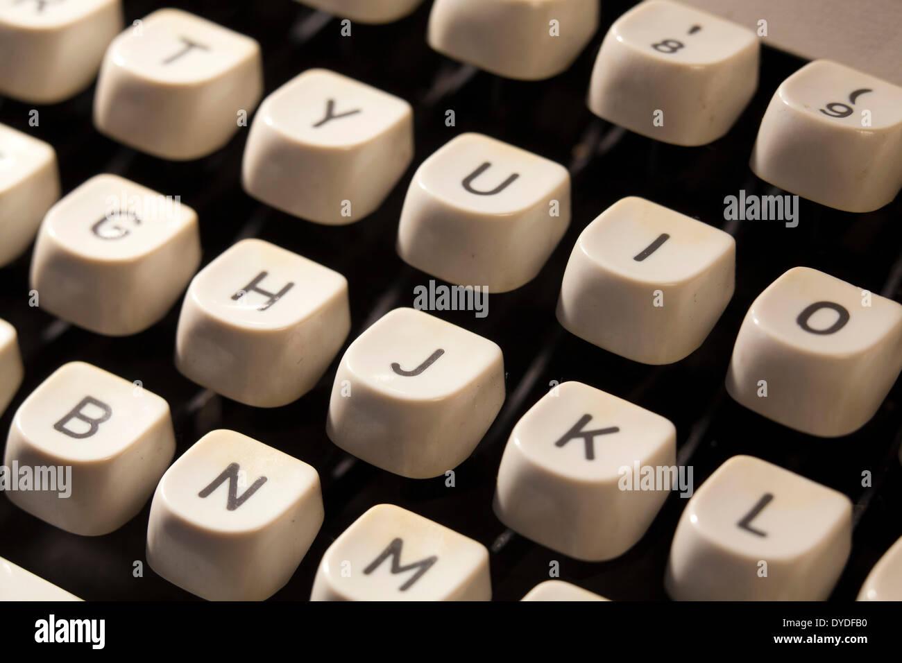 Teclas de máquina de escribir manual de cerca. Foto de stock