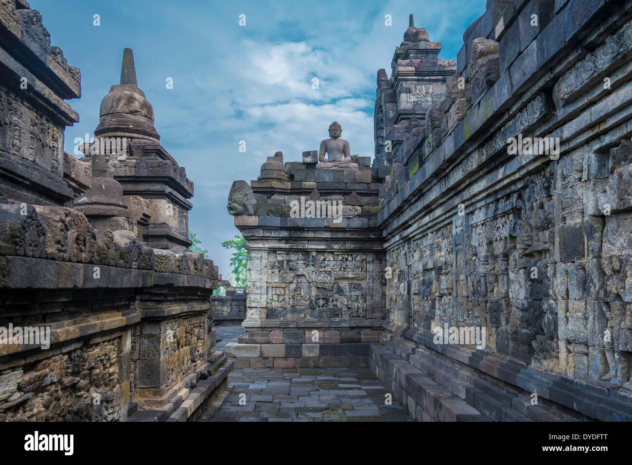 Relieves del templo de Borobudur en Indonesia. Imagen De Stock
