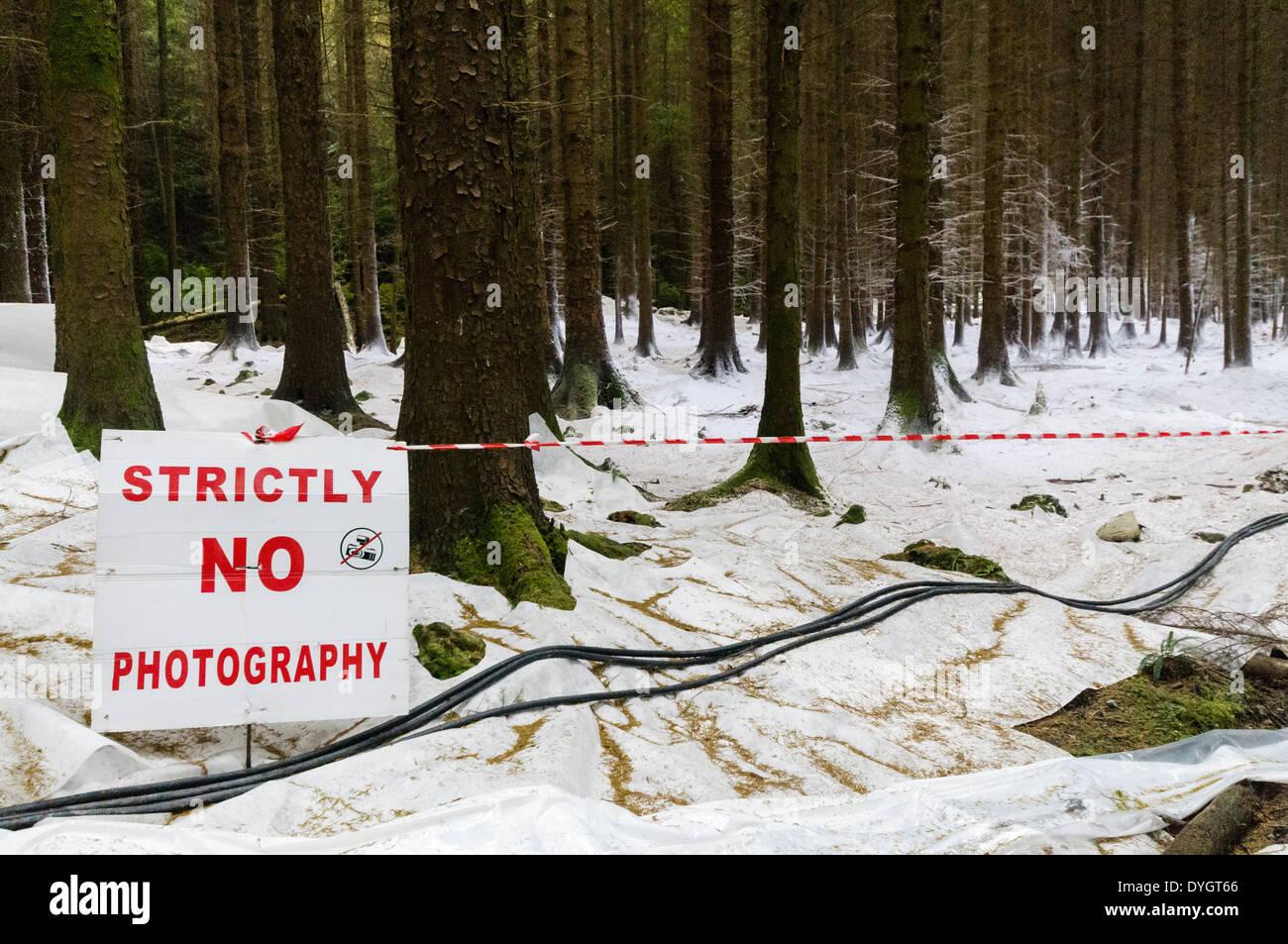Tollymore, Irlanda del Norte, cubiertos con nieve falsa para el rodaje del primer episodio de Juego de Tronos Foto de stock