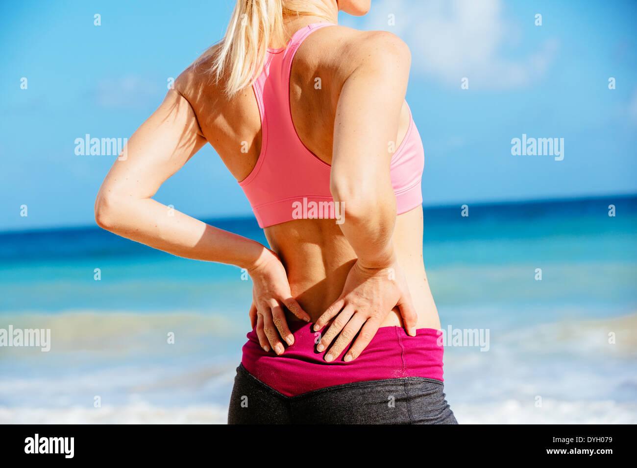 Back Muscles Muscular Woman Imágenes De Stock & Back Muscles ...