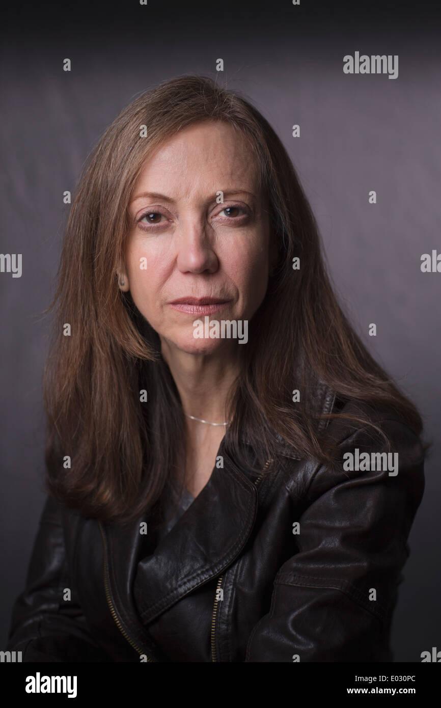 Retrato de una mujer de mediana edad. Imagen De Stock
