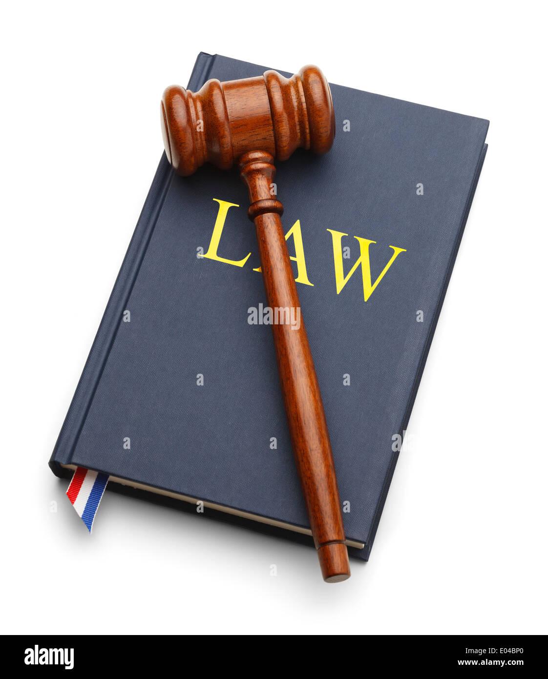 Libro de ley con martillo aislado sobre fondo blanco. Foto de stock