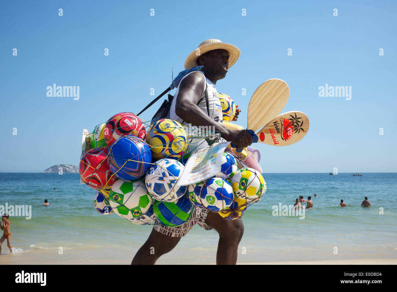 Pelotas De Playa Imágenes De Stock   Pelotas De Playa Fotos De Stock ... 052bc86762ec4
