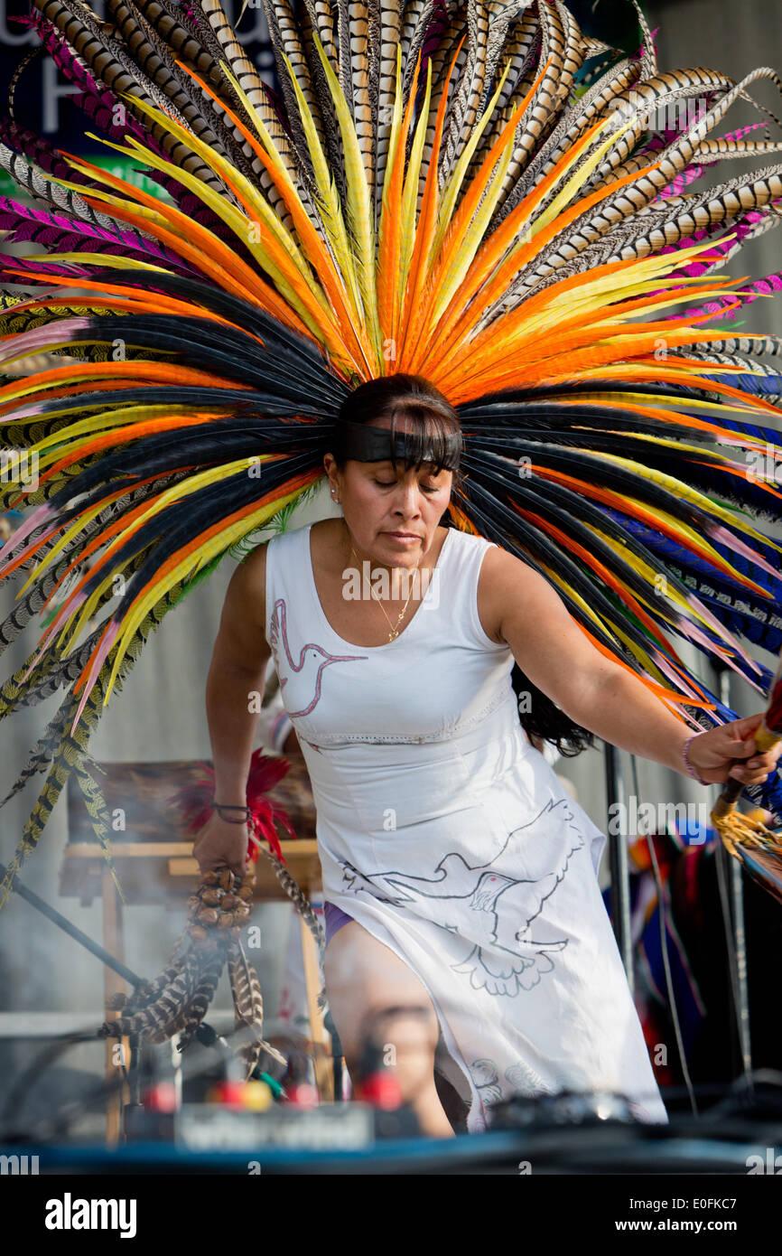 Resultado de imagen para DANZAS AZTECAS TRADICIONALES EN SAN DIEGO