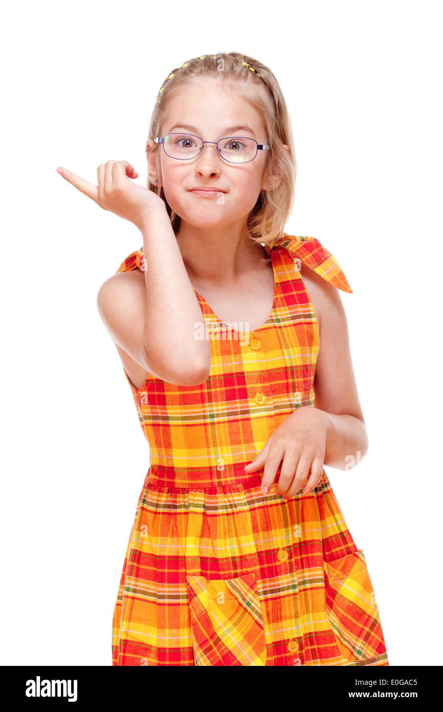Niña con gafas amenazan con el dedo - aislado en blanco Imagen De Stock