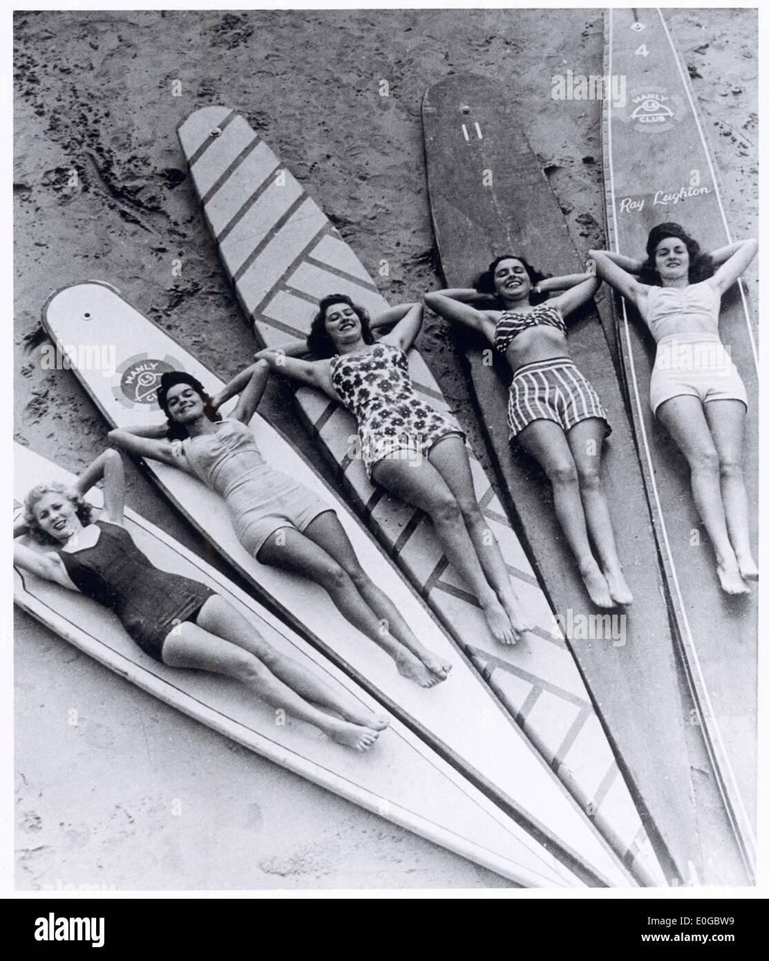 Sirenas de surf, la playa de Manly, New South Wales, 1938-46 Imagen De Stock