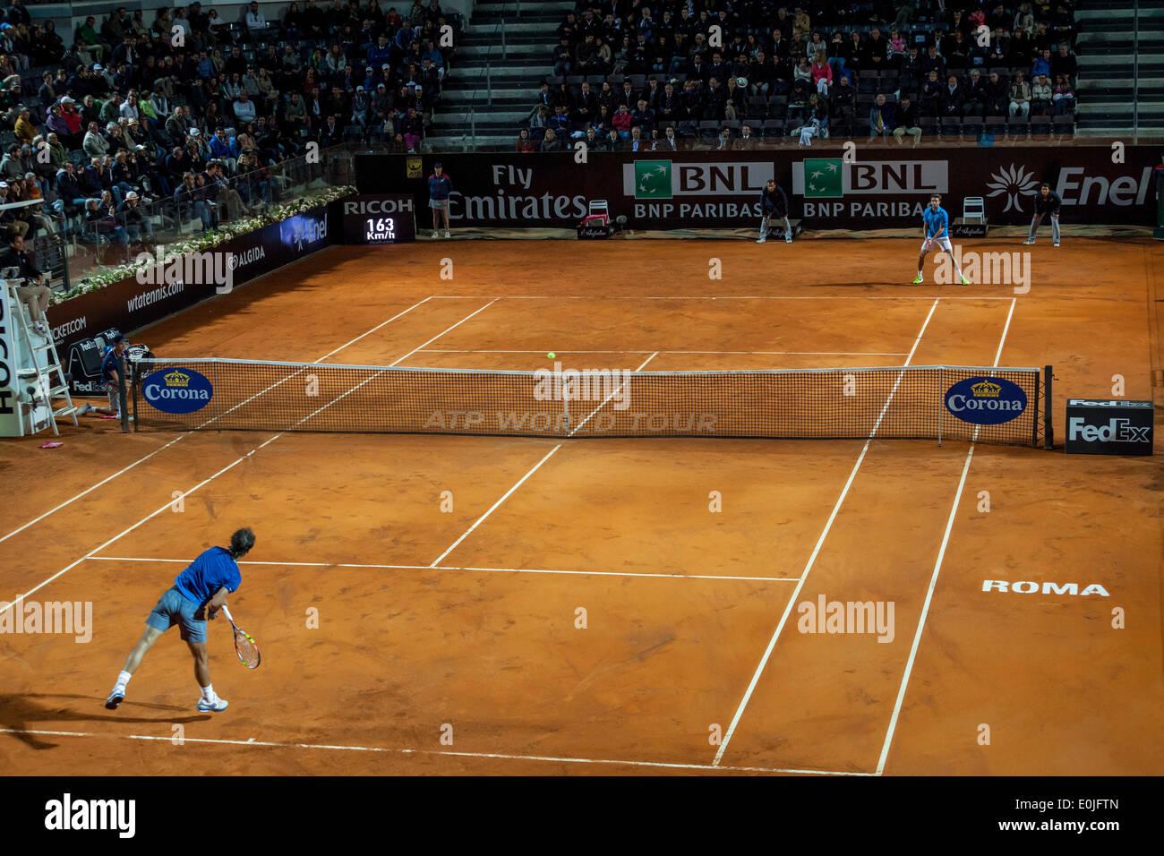Roma, Italia. 14 de mayo de 2014. Rafael Nadal vs Gilles Simon en Roma International Masters de tenis Foto de stock