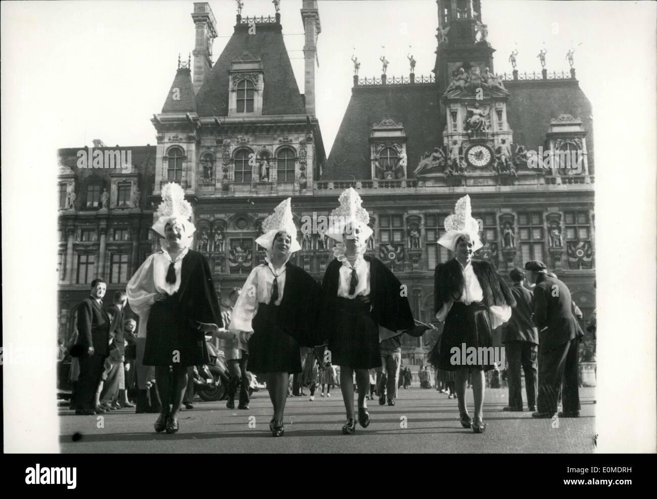 Octubre 31, 1954 - Desfile de Folklore en el Hotel de Ville Imagen De Stock