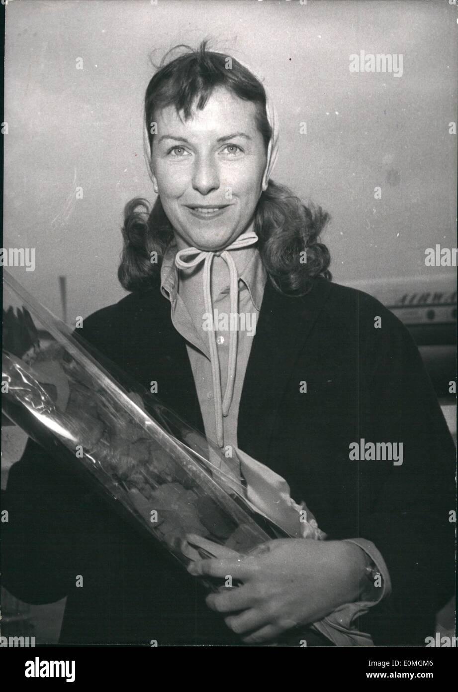 Abril 04, 1955 - Betsy Balir en Cannes Festival de Cine: Betsy Blair fotografiado a su llegada al aeropuerto de Orly, París, hoy ella es. Imagen De Stock