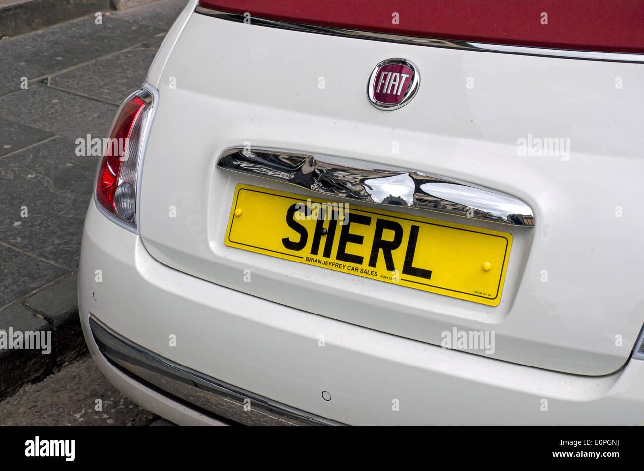 Matrícula de coche personalizado con una ortografía del nombre femenino Sherl pronunciada Sheryl. Imagen De Stock