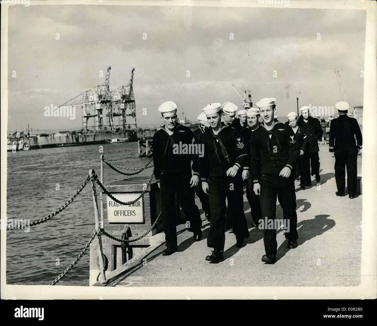 Octubre 10, 1957 - El Submarino Atom velas - Después de 14 días bajo el océano.: un récord mundial de buceo submarino de 14 días 3 1\2 horas fue reclamada por la Marina de los Estados Unidos 's atom-powered submarino Nautilus por su comandante, de 36 años de edad Comandante William R. Anderson, cuando él trajo el submarino en Pórtland, Dorset ayer. El Nautilus fue su primera visita oficial a un país extranjero. Durante su largo período bajo el agua, Nautilus viajó 5.000 millas a más de 15 nudos sin una vez desbastado o ''snorkeling''. Imagen De Stock