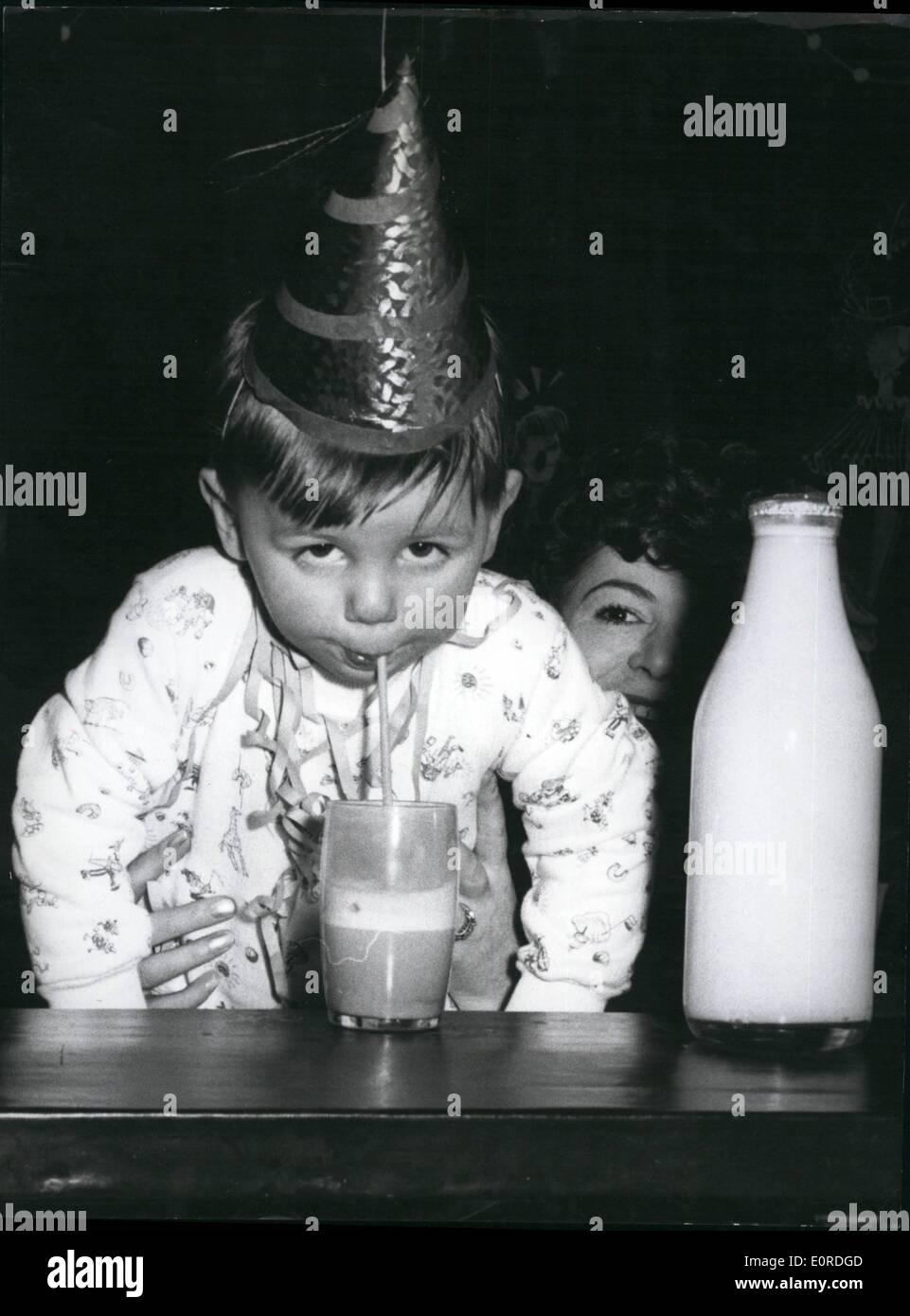Febrero 02, 1959 - Niños Carnival en el ''tumbado baron'', ''Muenchhausen mintiendo baron'' Muenchhausen invitó a los niños de Munich a un carnaval de niños para el Deutsches Theater en Múnich. Más de 2500 niños de todas las edades siguieron su invitación. Foto de stock