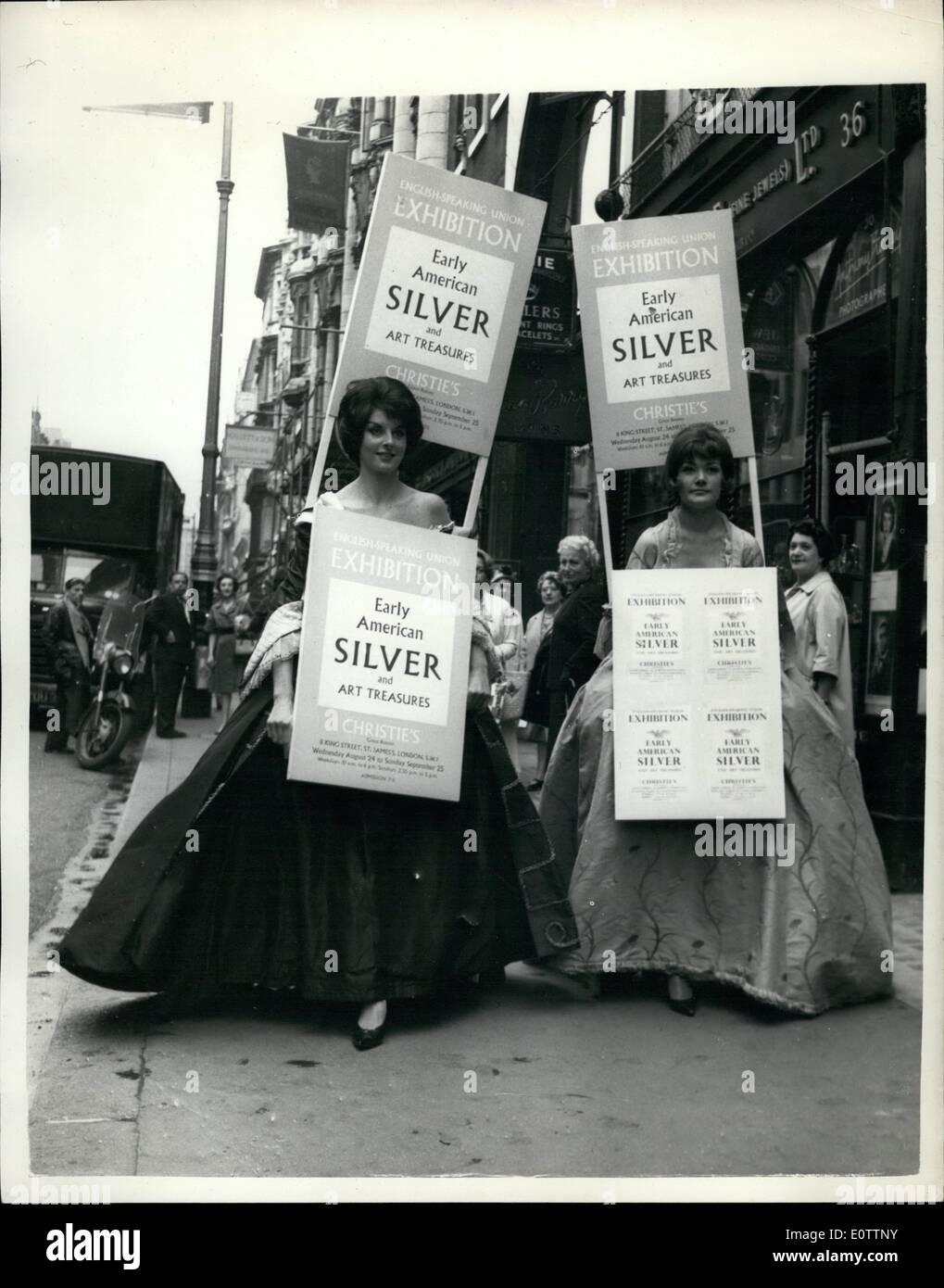 Septiembre 09, 1960 - Modelos en traje americano temprano: anunciar la plata exposición.: La fotografía muestra Foto de stock