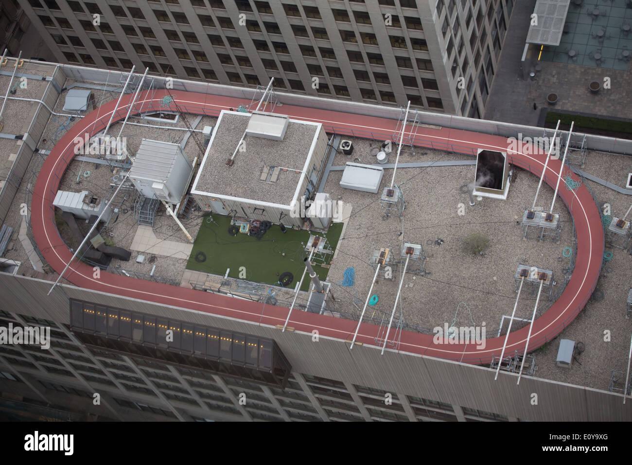 Pista de Atletismo en la azotea edificio Downtown Toronto Imagen De Stock