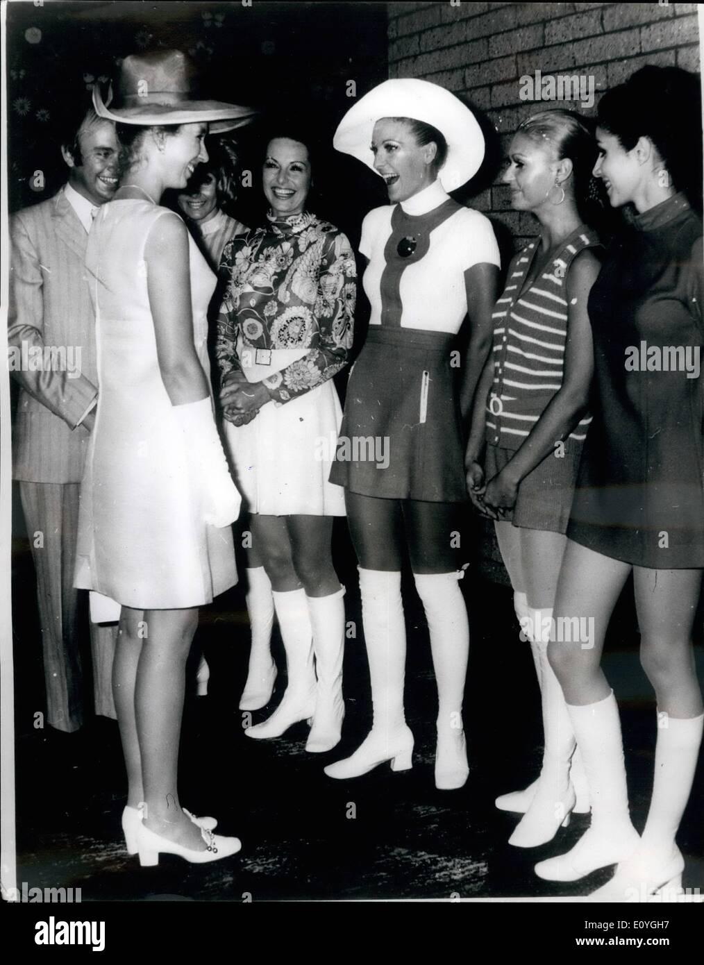 Abril 20, 1970 - Abril 20th, 1970 la princesa Ana en Ultra-Modern Fashion Show. La Princesa Ana gozó de mayor participación Foto de stock