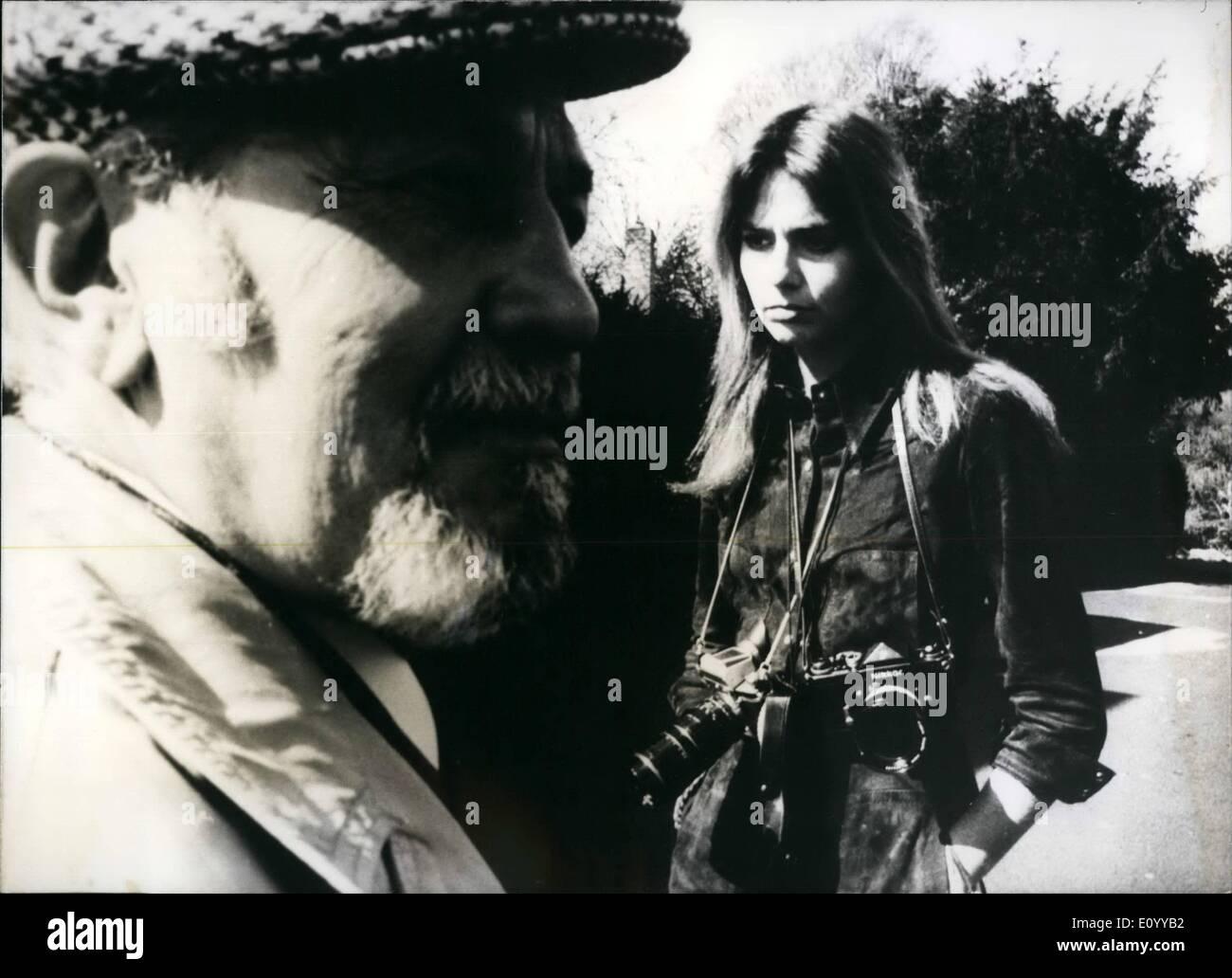 Nov 11, 1971 - Un nuevo thriller Durbridge en la televisión alemana occidental: Esta nueva serie en tres episodios titulada ''El Cuchillo''. Imagen De Stock