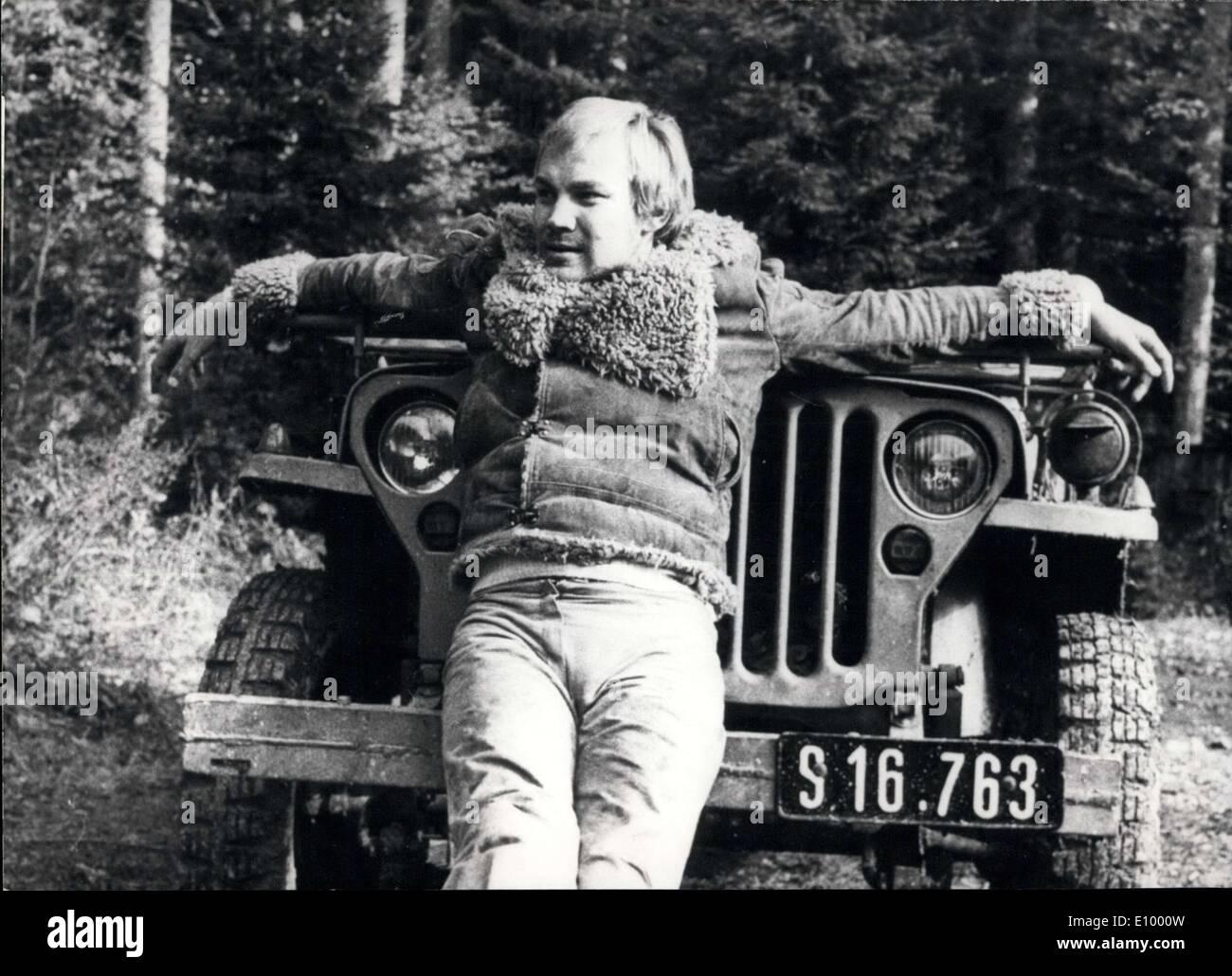 Diciembre 18, 1971 - Un nuevo thriller de espionaje americano ''La conexión de Salzburgo'': Esta nueva película, filmada en y alrededor de la famosa ciudad de Mozart, cuenta con un recién llegado, el joven austríaco etapa actor Klaus Maria Brandauer. El productor americano acoplado a él por la película ''La conexión de Salzburgo'' protagonizada por Anna Karina y Barry Newman. El director es Lee Katzin (''Le Mans)''. Imagen De Stock