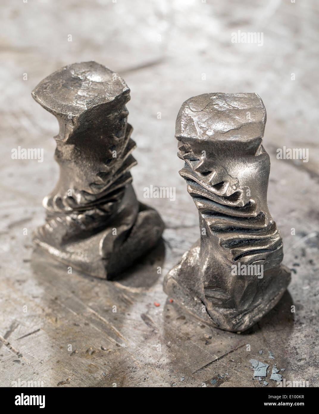 Los artesanos Nicole & Harry Hansen, Sterling & Steel, crear originales piezas de hierro y plata Foto de stock