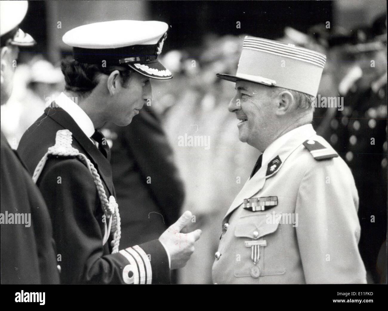 Jul 18, 1977 - 18 julio 1977 El príncipe Carlos abre congreso de oficiales de reserva. Hoy en día el príncipe Carlos inauguró el 30º Congreso de la Confederación Inter-Allied de oficiales de reserva al duque de York en la sede de Londres. La confederación fue formada en 1948, durante la guerra fría, por oficiales de reserva, asociaciones en un número de países europeos que en el año siguiente iban a ser signatarios de la OTAN Imagen De Stock