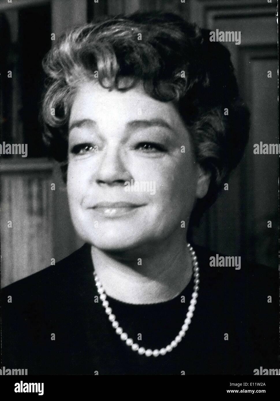 CINE FRANCÉS -le topique- - Página 6 Agosto-01-1980-la-famosa-actriz-simone-signoret-esta-en-el-hospital-aqui-esta-una-foto-de-ella-en-la-pelicula-el-gato-en-el-que-jean-gabin-fue-su-co-estrella-e11w2a
