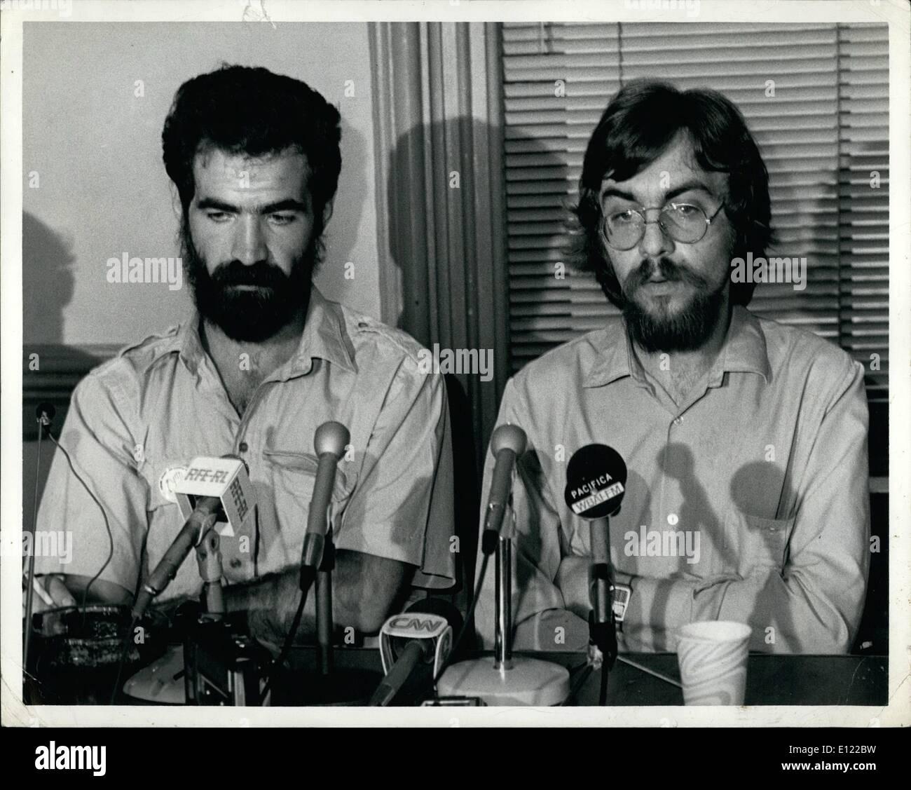 Jun 06, 1983 - El jueves 30 de junio de 1983, la ciudad de Nueva York. Uno de los fundadores de las repúblicas independientes, Sergei Batovrin Peace Corp, celebró su primera conferencia de prensa de hoy desde la llegada de la Unión Soviética. El Sr. Batovrin quien ayudó a fundar el ''grupo de confianza establecida entre la URSS y los EE.UU.'', fue encarcelado durante un mes en el Hospital nuerological psycho #114 en Moscú el año pasado y fue continuamente hostigados por las autoridades soviéticas hasta su expulsión forzosa el 19 de junio de este año. El Sr. Batovrin, un artista, estuvo en la conferencia de prensa con un compañero, fundador del grupo Mr Imagen De Stock