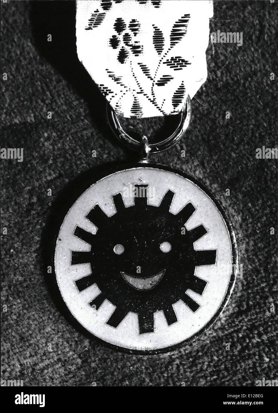 Diciembre 09, 2011 - La historia de la medalla comenzará en 1968. polaco medalla de la sonrisa es el único en el mundo propuesta y otorgado por los niños. Imagen De Stock